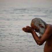 Rituelles Bad zur Reinigung von Körper und Seele